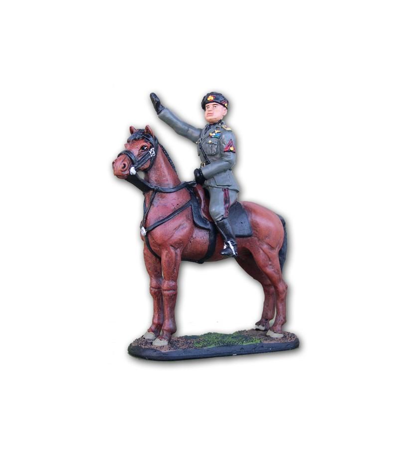 Mussolini a cavallo eseguito in lega a base di Stagno