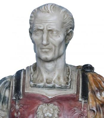 dettaglio viso Giulio Cesare