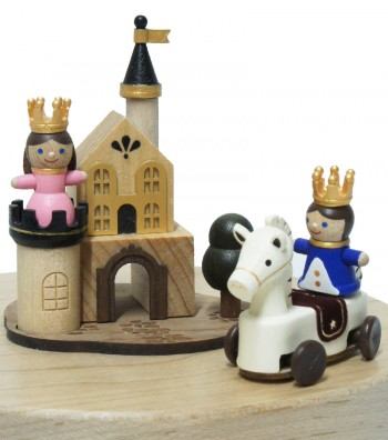 Wooden Music Box Prince and Princess close up view