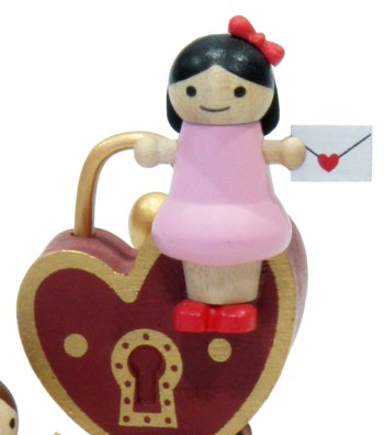 Wooden music box lover with pink dress