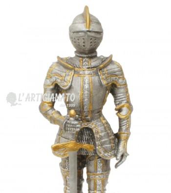 Dettaglio armatura con spada