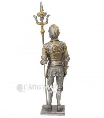 Armatura medioevale con alabarda parte posteriore