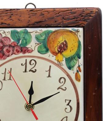 Orologio in ceramica dipinto a mano