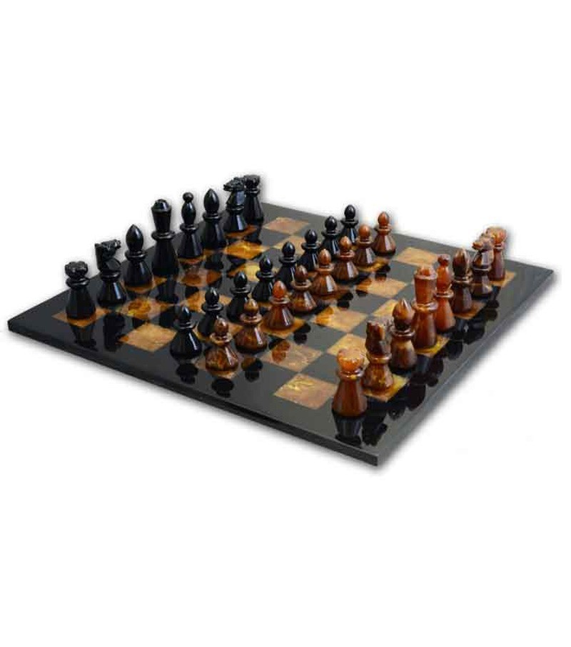 Full set chessboard in alabaster